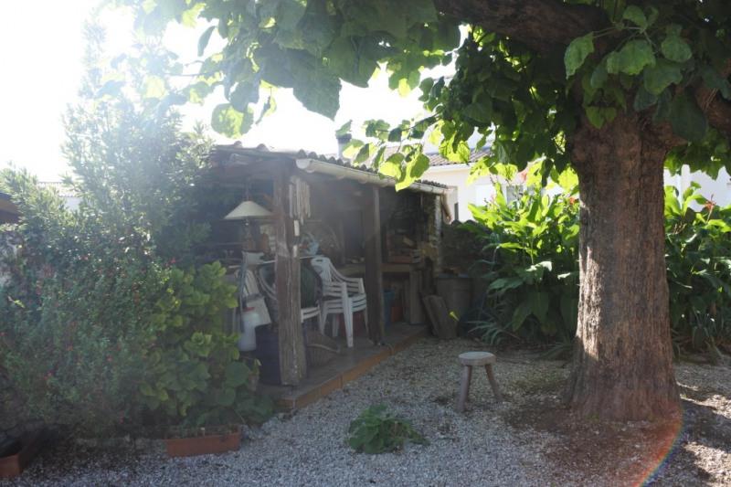 Sale house / villa Saint just luzac 186170€ - Picture 7