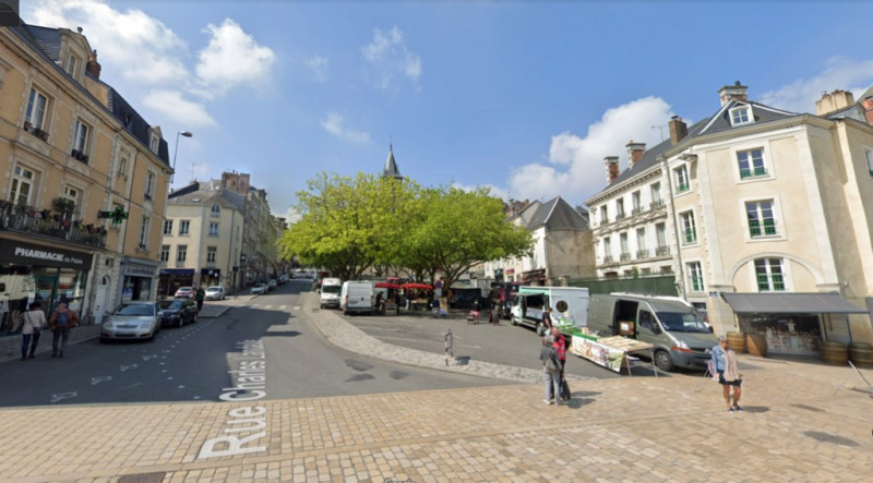 Sale building Laval 742 000€ - Picture 1