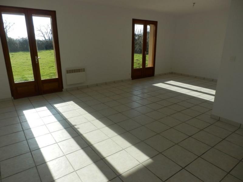 Location maison / villa Garlin 665€ CC - Photo 3