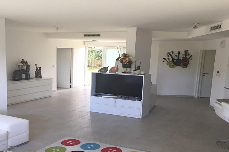 Sale apartment Antibes 715 000€ - Picture 3
