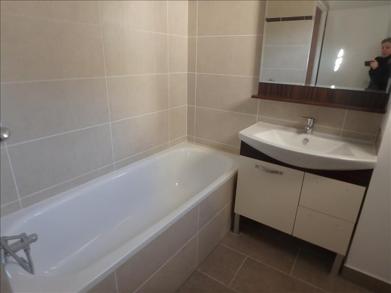 Rental apartment Buc 2 124€ CC - Picture 6
