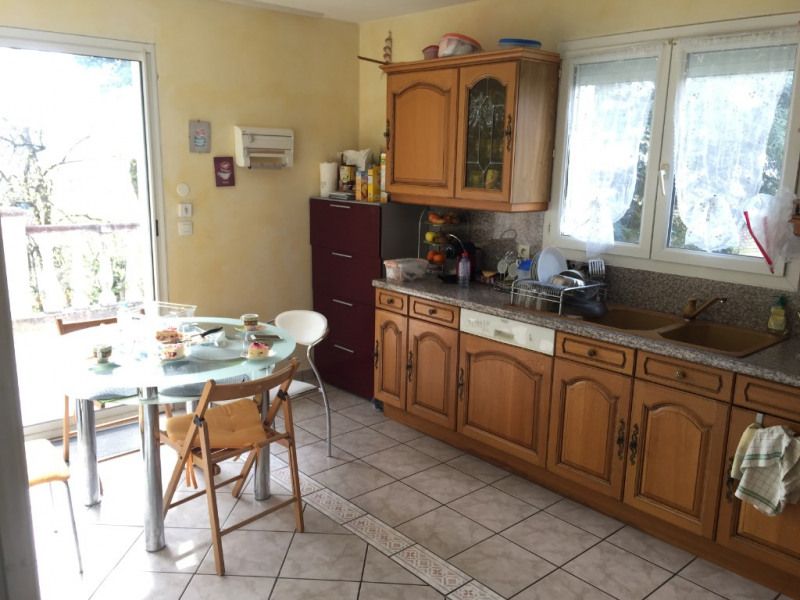 Sale house / villa Bourgoin jallieu 359000€ - Picture 6