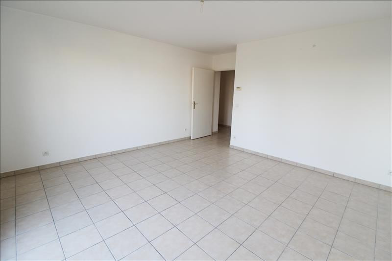 Location appartement Maurepas 972€ CC - Photo 3
