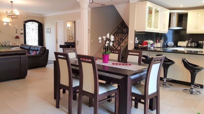 Sale house / villa Ormesson sur marne 533000€ - Picture 2