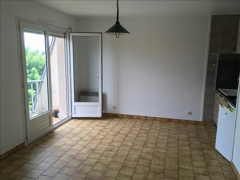 Rental apartment Poitiers 420€ CC - Picture 2