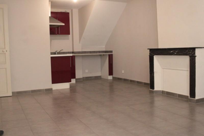 Vendita appartamento Lambesc 140000€ - Fotografia 2