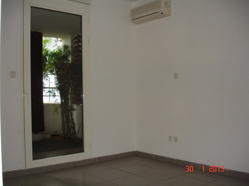 Location appartement Ste clotilde 467€ CC - Photo 5