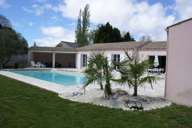 Deluxe sale house / villa Yves 605 000€ - Picture 4