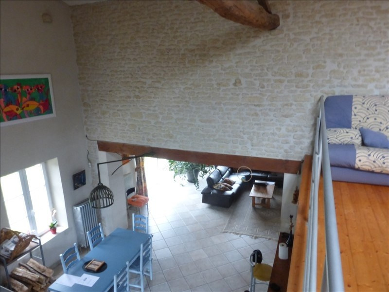 Deluxe sale house / villa Genouille 305 000€ - Picture 1