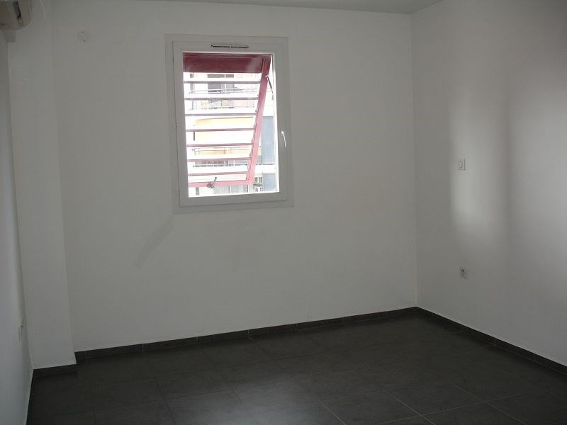 Location appartement Ste clotilde 584€ CC - Photo 5