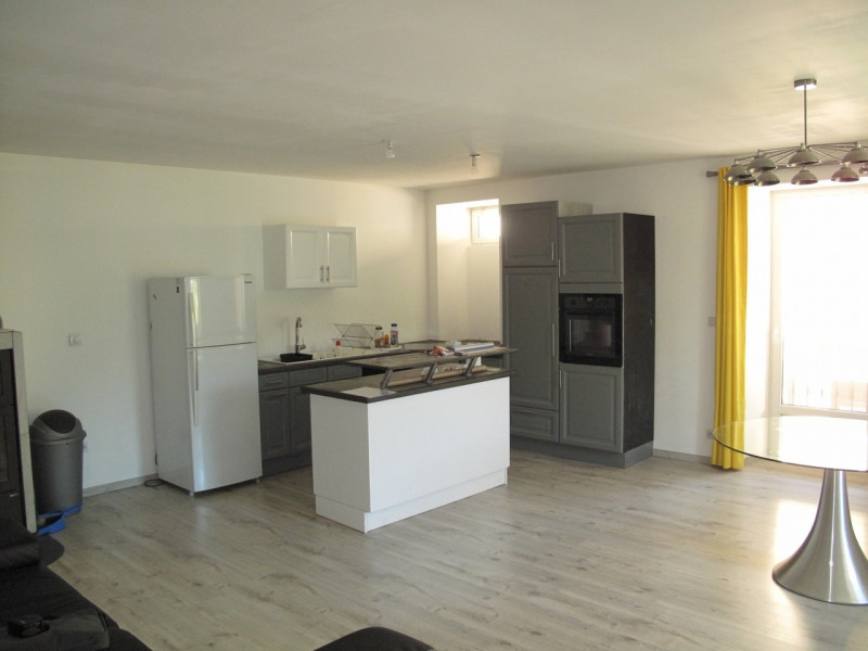 Sale apartment Thorens-glières 270 000€ - Picture 2