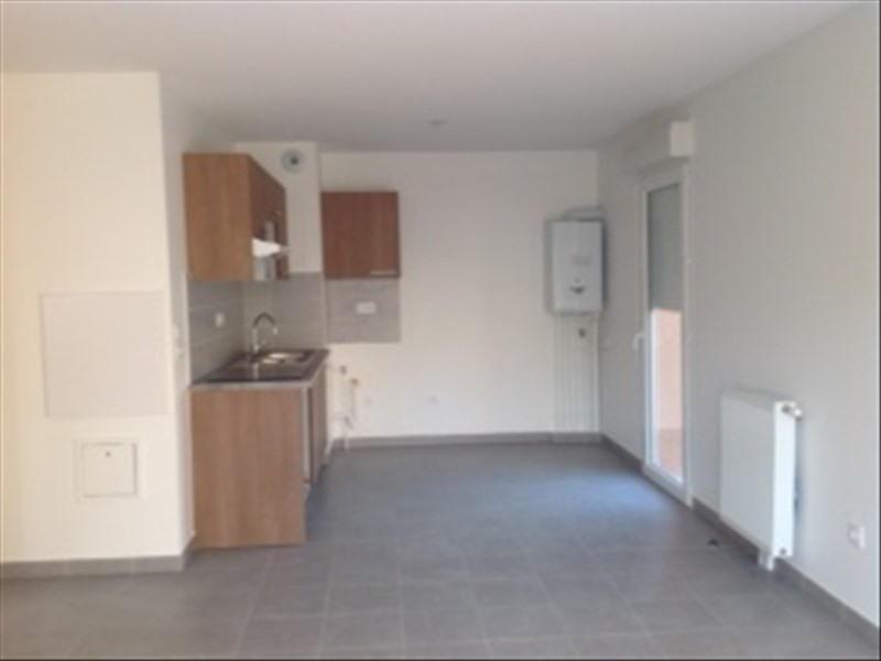 Location maison / villa La salvetat st gilles 886€ CC - Photo 2