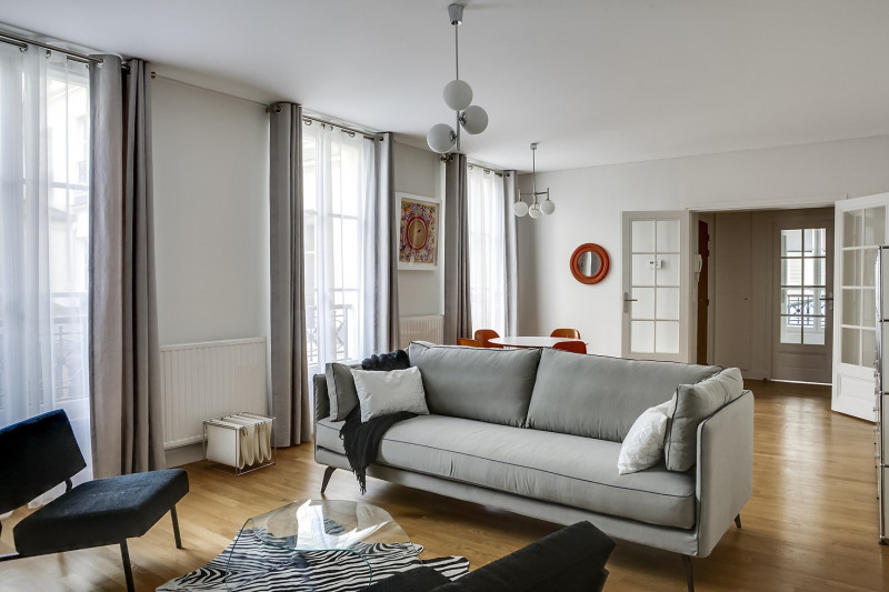 Location appartement Paris 11ème 2 995€ CC - Photo 1