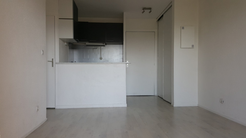 Rental apartment Fréjus 555€ CC - Picture 2