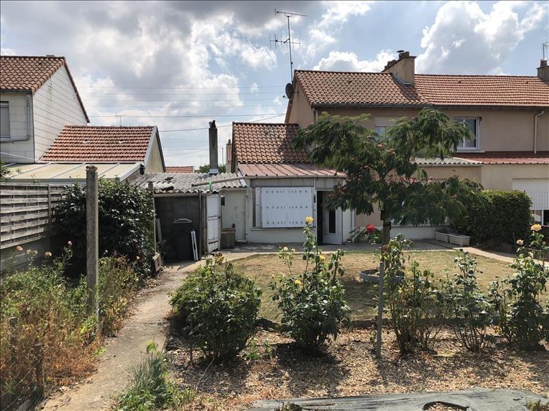 Sale house / villa Jallais 106990€ - Picture 2