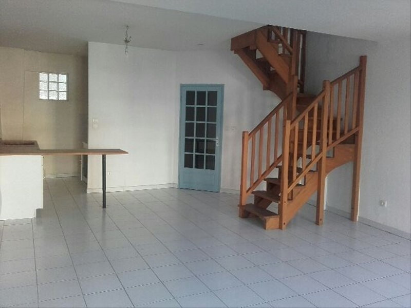 Rental apartment Salon de provence 559€ CC - Picture 3