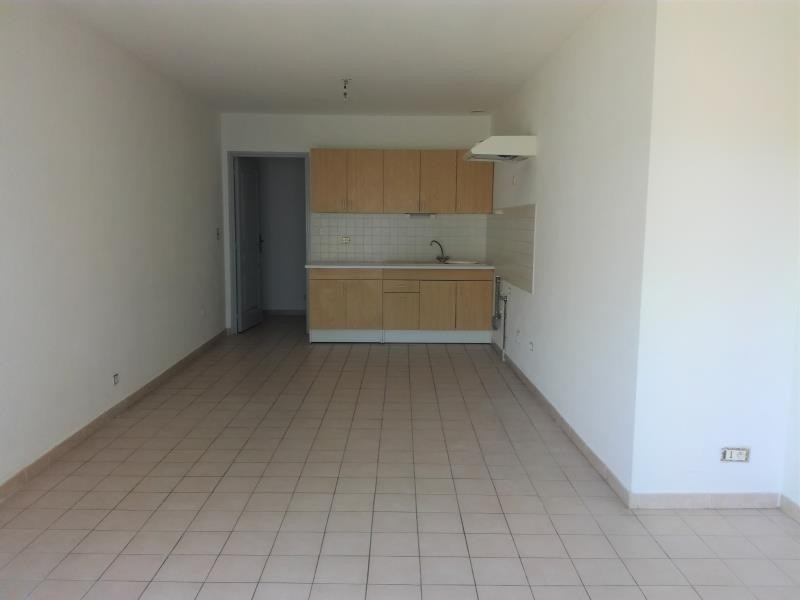 Rental apartment Lancon de provence 675€ CC - Picture 3