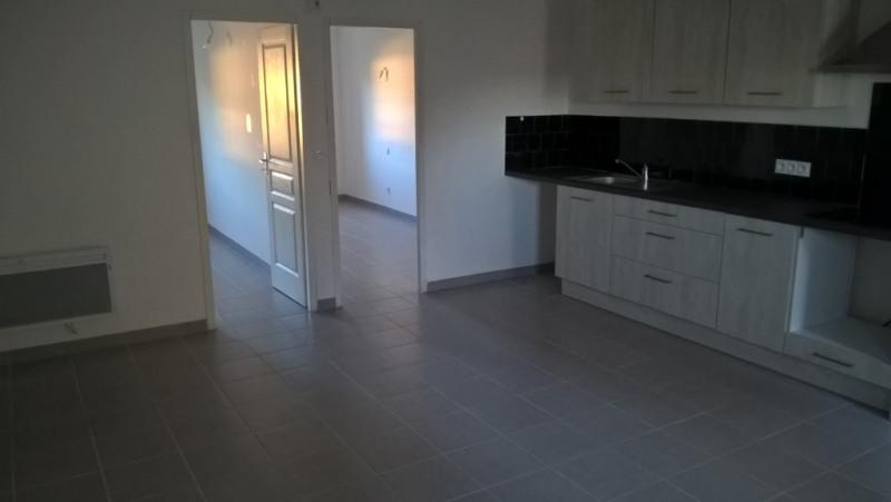 Location appartement Lambesc 885€ CC - Photo 4
