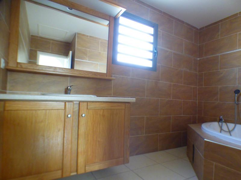 Sale house / villa St louis 242000€ - Picture 5
