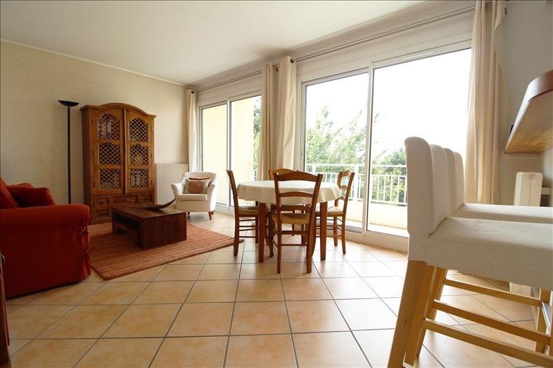 Sale apartment Maurepas 169500€ - Picture 1