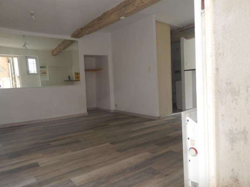 Location appartement Callas 300€ CC - Photo 2