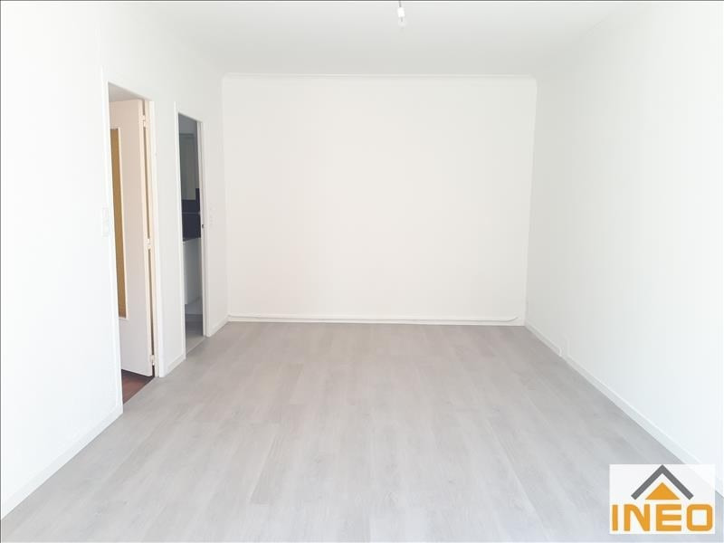 Location maison / villa La meziere 650€ CC - Photo 2
