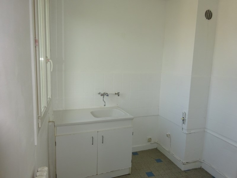 Location appartement Pierre benite 602€ CC - Photo 3