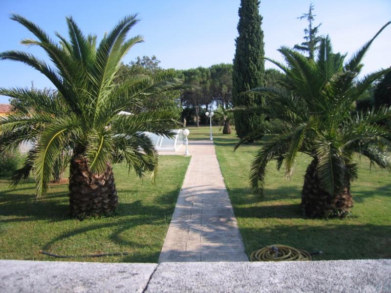 Sale house / villa Redessan 462000€ - Picture 1