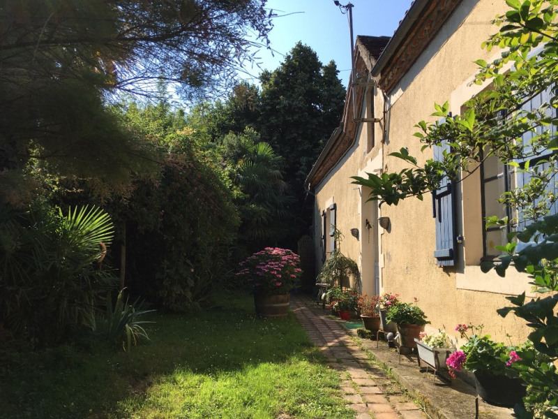 Sale house / villa Viella 155 000€ - Picture 1