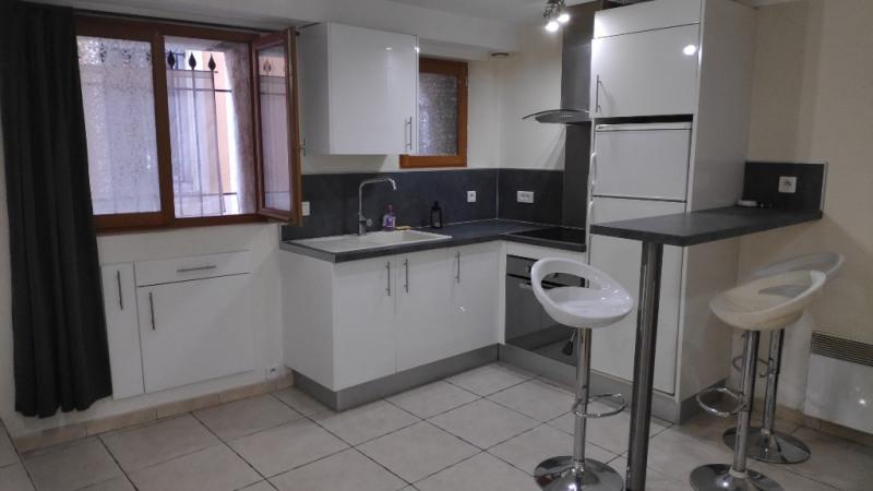 Affitto appartamento Saint laurent du var 600€ CC - Fotografia 2