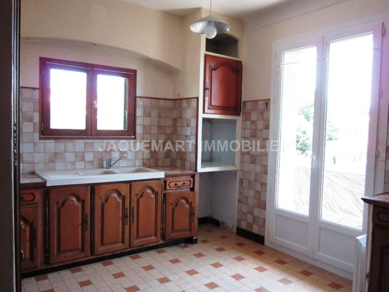 Rental apartment Lambesc 820€ CC - Picture 4