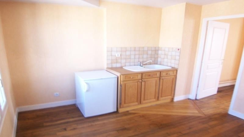 Location appartement Troyes 476€ CC - Photo 2