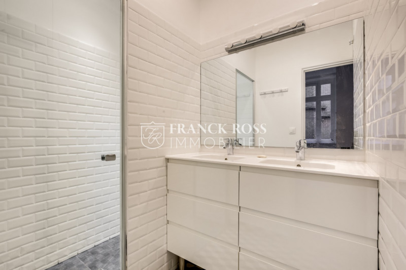 Location appartement Paris 17ème 3 500€ CC - Photo 11