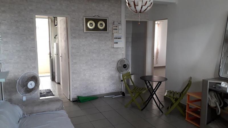 Rental apartment St pierre 569€ CC - Picture 1