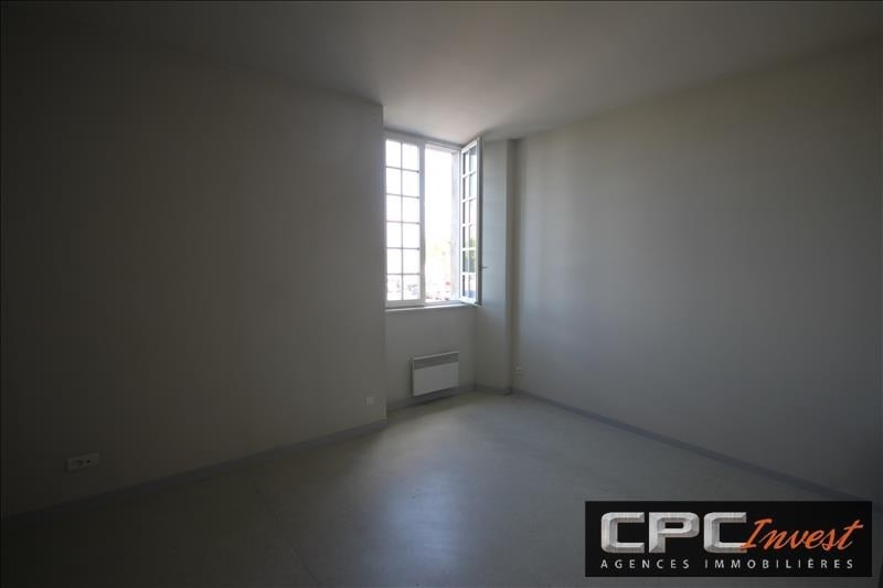 Location appartement Oloron ste marie 570€ CC - Photo 2
