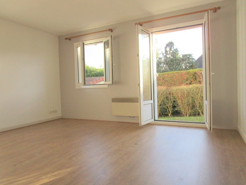 Location appartement Bailly 880€ CC - Photo 1