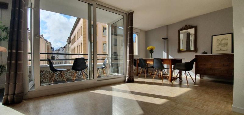 Sale apartment Lyon 7ème 470000€ - Picture 2