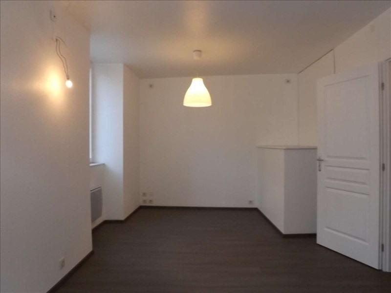 Revenda apartamento Aubenas 74000€ - Fotografia 1