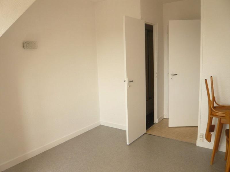 Rental apartment Laval 330€ CC - Picture 2
