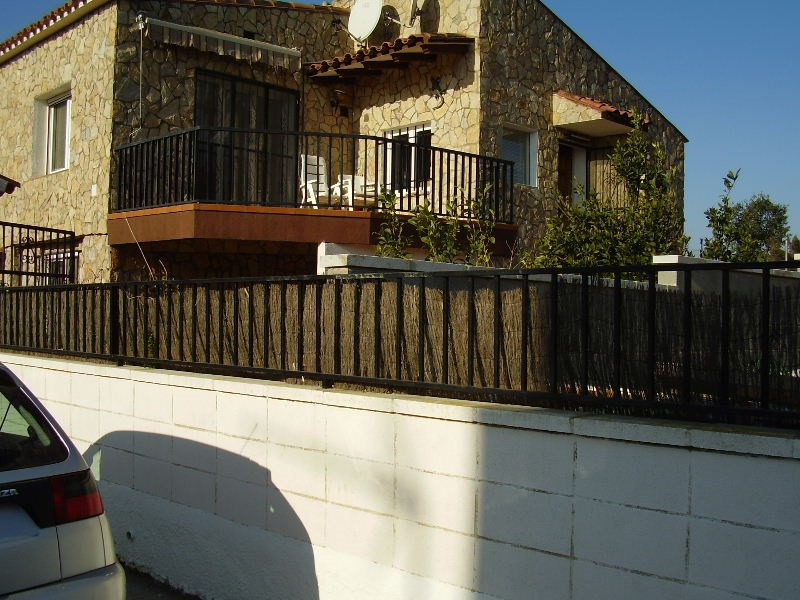 Sale house / villa Roses 320 000€ - Picture 3
