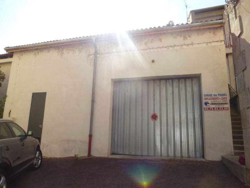 Location parking Vals-les-bains 62€ CC - Photo 1