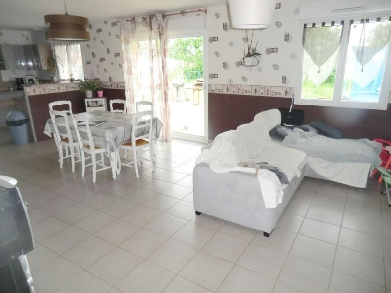Sale house / villa Parce 145600€ - Picture 2