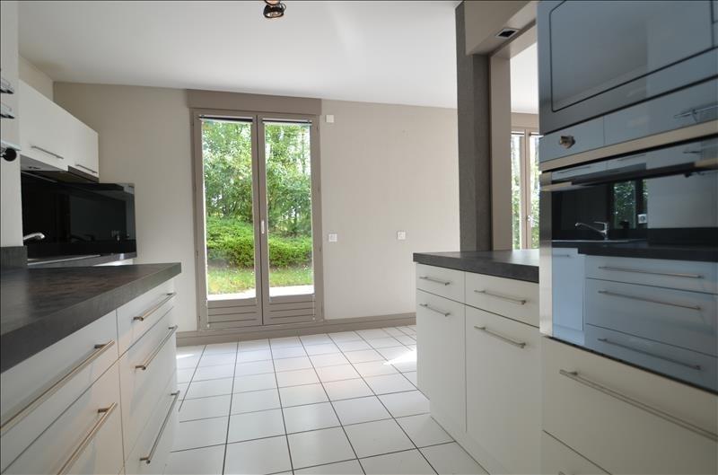 Vente de prestige appartement Bluffy 555000€ - Photo 6