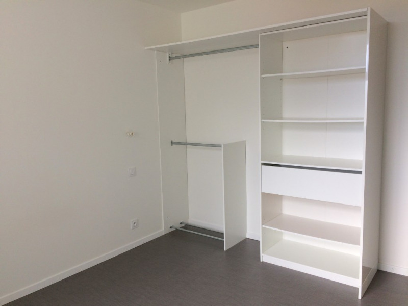 Location appartement La rochelle 845€ CC - Photo 6