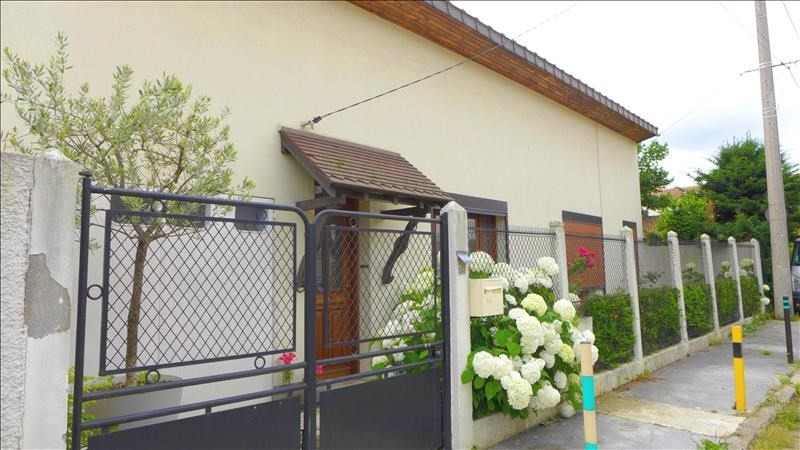 Sale house / villa Bondy 275 000€ - Picture 1