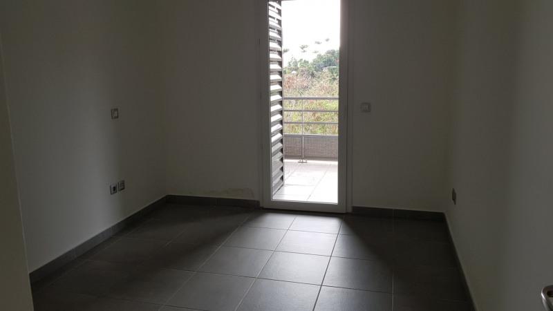 Location appartement St denis camelias 675€ CC - Photo 5