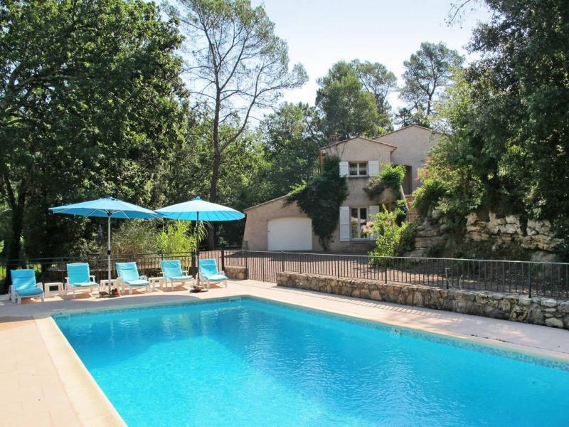 Vendita casa Bagnols-en-forêt 590000€ - Fotografia 1