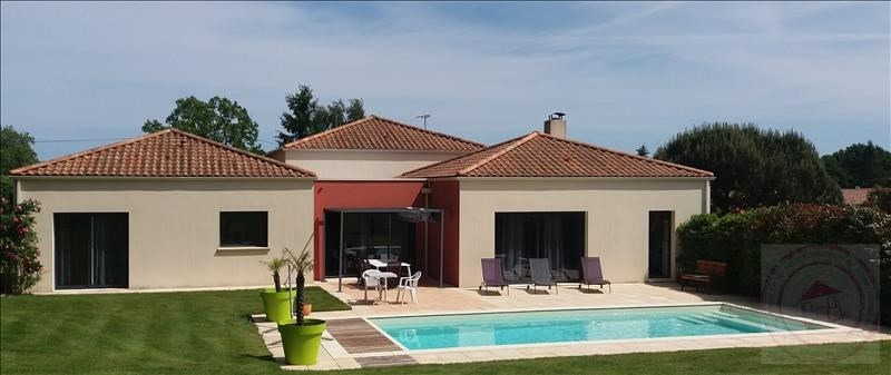 Deluxe sale house / villa Aizenay 584 480€ - Picture 1