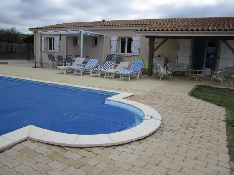 Deluxe sale house / villa Brossac 214000€ - Picture 1