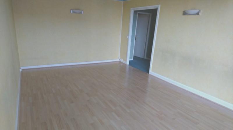 Rental apartment Rambouillet 1090€ CC - Picture 1
